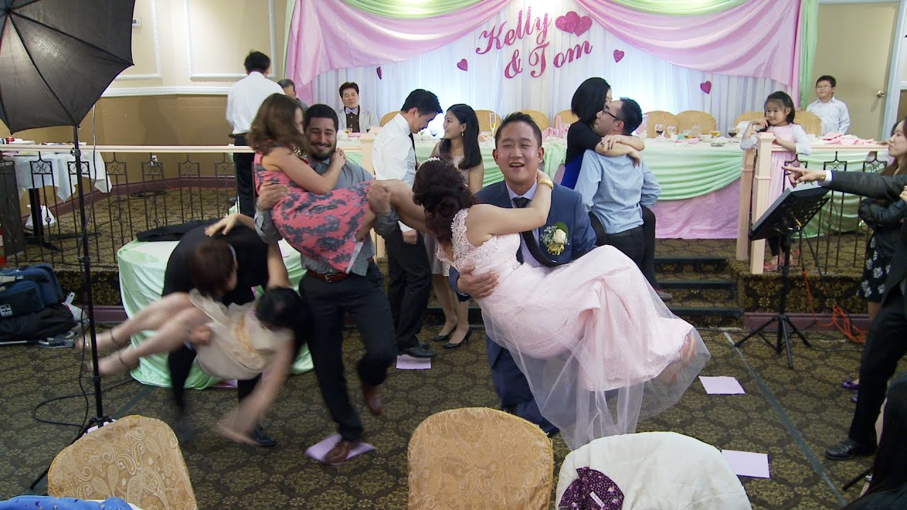 A Fun Wedding Game at A Chinese Wedding Reception in Toronto - YouTube