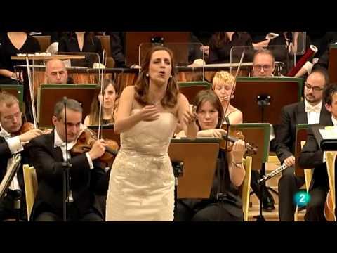 Raquel Lojendio- La Traviata 'E strano... Ah! Fors'e lui... Sempre libera' (G. Verdi)