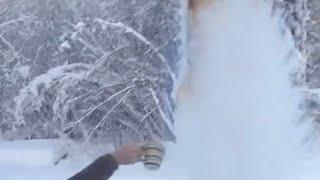 "Thrown coffee, turns instantly to ""Ice (Coffee)Fog""at -42. Salcha, Alaska"
