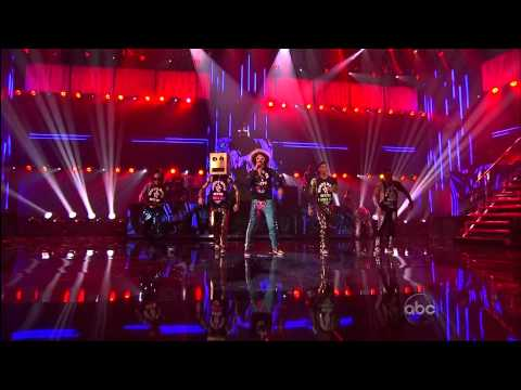 LMFAO & Halloween House on AMA 2011 (American Music Awards)