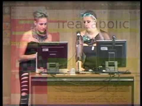 METABODY - Madrid - 31 jul 13  - Weaving the web -  R+ y Paula Pin