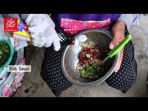 Bangkok Street Food | Old Thai Lady Makes Clams Spicy Salad - Wang Lang Street | Thai Street Food