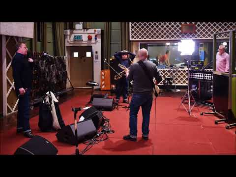 MADNESS. LIVE SESSION ON RADIO 2..  BROADCAST ON 25.1.17.