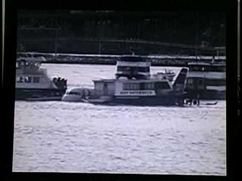 2009 - US Airways 1549 Landing and Rescue by NY Ferries captured by Surveillance Video