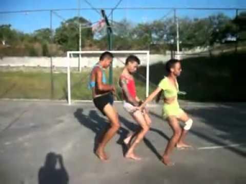 Thuna Semjuros kamika3 na dança do  serrote