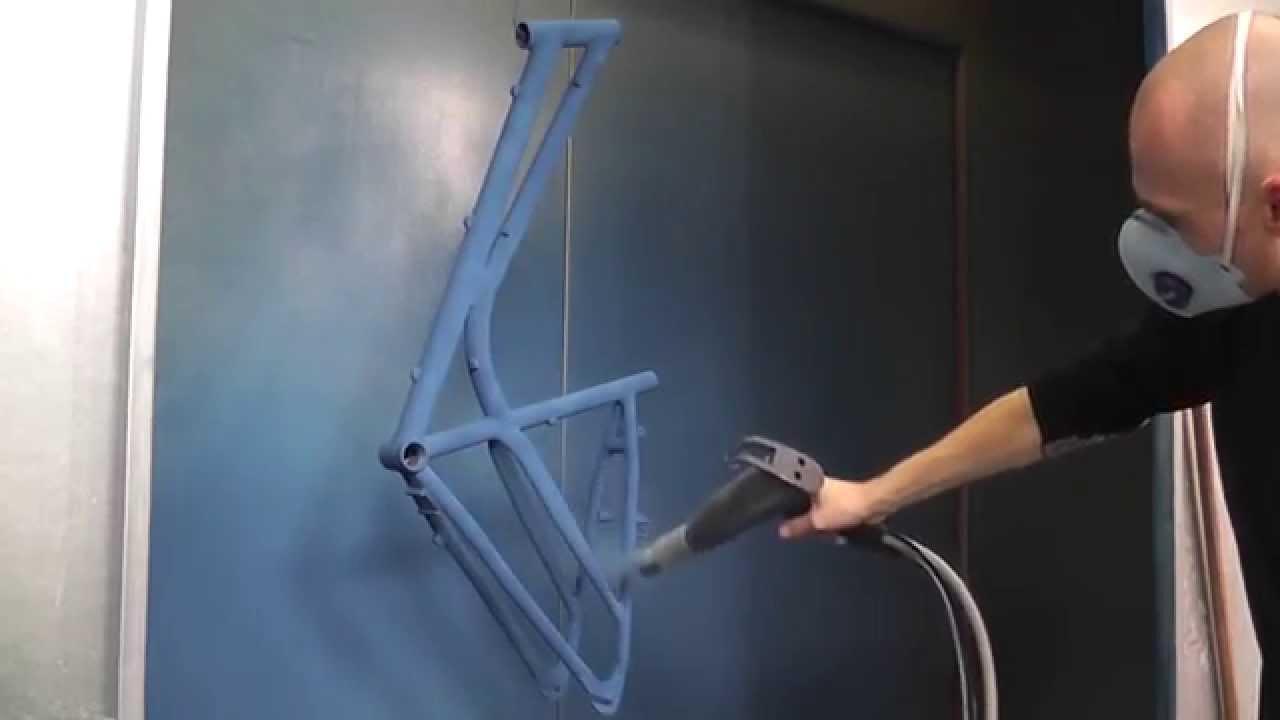 Fahrradrahmen pulverbeschichten mit SYS1 Düse - YouTube