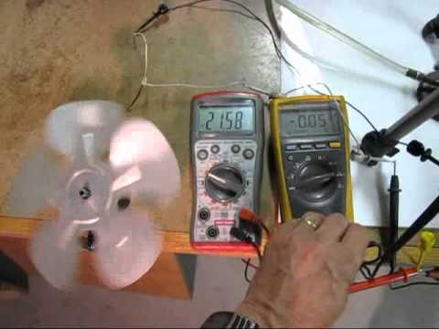 Small Stirling engine generator drives 8 electric fan 24 watts