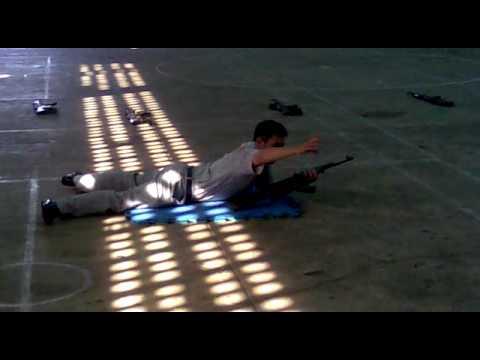 tư thế nằm bắn súng AK