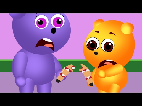 Mega Gumy Bear Playing Boomerang Together And Getting It Crashed Finger Family Songs