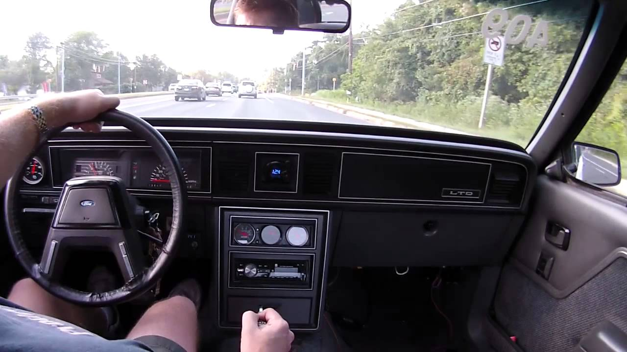 driving a powerglide on the street [ 1280 x 720 Pixel ]