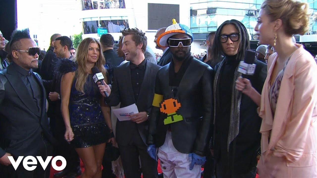 Black Eyed Peas - 2010 Red Carpet Interview (American Music Awards)