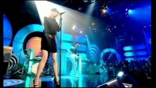Goldfrapp - Fly Me Away Hq (live @ Top of the Pops Apr. 24, 2006)