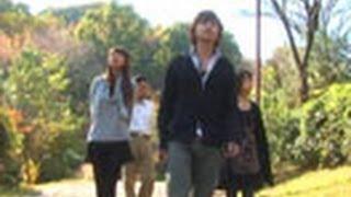 2008年 29分 取っつきにくかった智子とも、最近は話が弾むようになって...