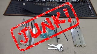 (750) Review: Azure Clear Plastic Practice Lock (JUNK!)