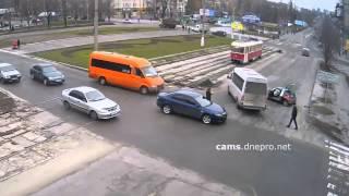 дтп на перекрестке аношкина и ленина в днепродзержинске 03 02 15