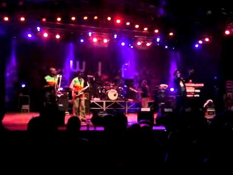 Macka B - Everybody Loves Bob Marley (live ŠLF)