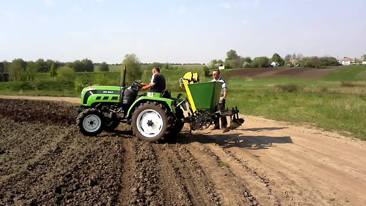 Картофелекопалка (картофелесажалка) для мини-трактора.