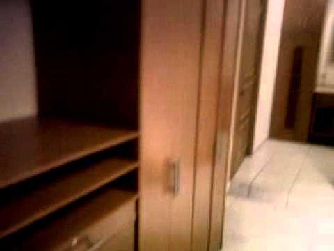 Closet vestidor con mueble de bano y zapatera youtube for Closet con zapatera