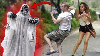 Three Head Skeleton Ghost Scary PRANK 👻 - AWESOME REACTIONS  - Best of Just For Laughs