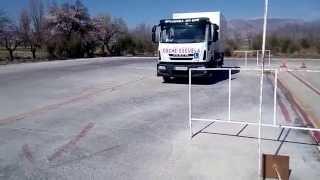 Autoescuela mora y javimore estacionamiento camion rigido pista