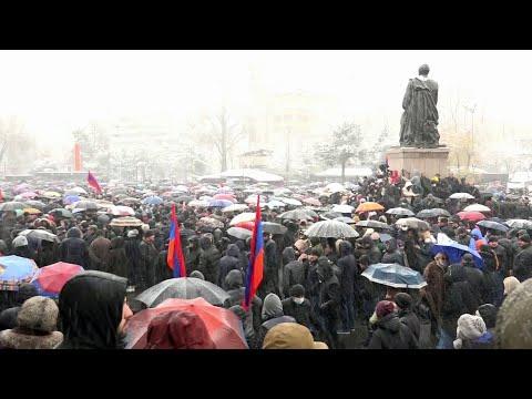 Акция протеста с требованием отставки премьер-министра Армении прошла в Ереване.