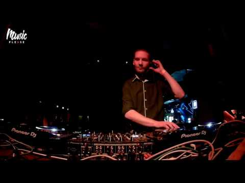 DAN COOLEY | Storm club Prague