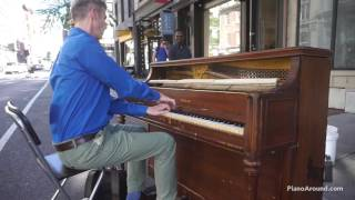 Dude Crushes it on a Street Piano in NYC with Cinema Paradiso + Bach solo