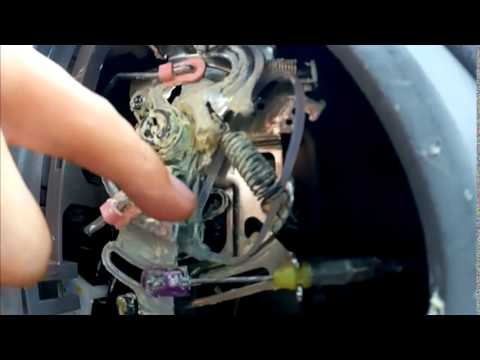 How To Replace A Toyota Sienna S Center Hinge On The Sliding Door 2005