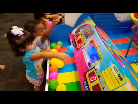 Kids Arcade Games, Plastic Balls Game, Splash the Ducks Game, Chuck E Cheese's - ZMTW
