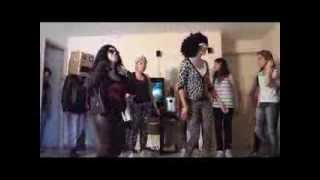 LMFAO - Champagne Showers ft. Natalia Kills Parodia 15 Brenda