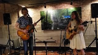 Wildwood Flower - Ashtyn Barbaree + Chris Parker