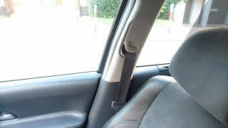 Demontaż osłony słupka i przedniego pasa bezpieczeństwa w Renault Laguna II