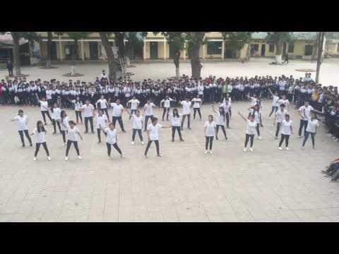 Nhảy Flashmob Lớp 12A7 THPT Phùng Khắc Khoan