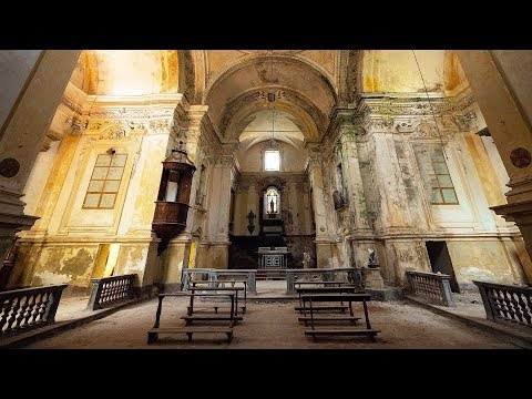 Sleeping In Breathtaking Abandoned Church On A Lonely Hill - Urbex Lost Places Italy | Episode 5