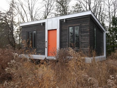 This modern 227 square foot charles eames style tiny house for Modern tiny homes on wheels