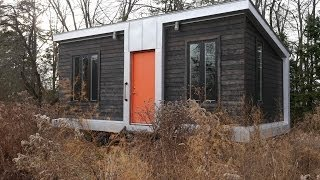 This Modern 227 Square Foot Charles Eames-style tiny house has it all!