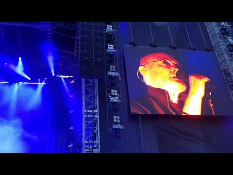 phil collins in the air tonight live - phil collins - in the air tonight *live berlin 2019*