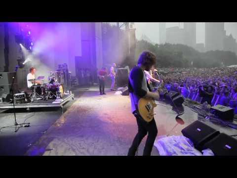 Cage the Elephant - Shake Me Down (Live @ Lollapalooza 2011)