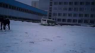 Вот так обучают водителей автобусов в Москве.