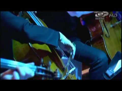 Kosovare Xhoni Ft. Maksi - Eyo Eyo [REWIND Live]