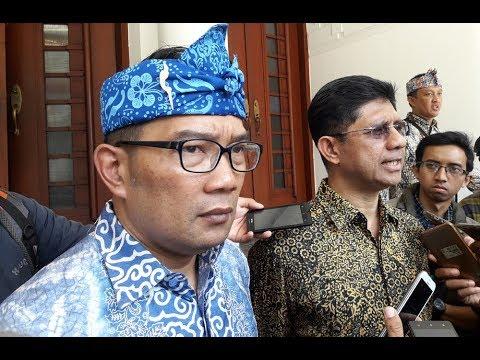 Pemkot Bandung Serahkan 3 Aplikasi Secara Cuma-cuma Untuk 30 Kota Dan Kabupaten Se-Indonesia.