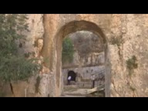Tension over access rights to reopened tomb in Jerusalem from YouTube · Duration:  6 minutes 58 seconds