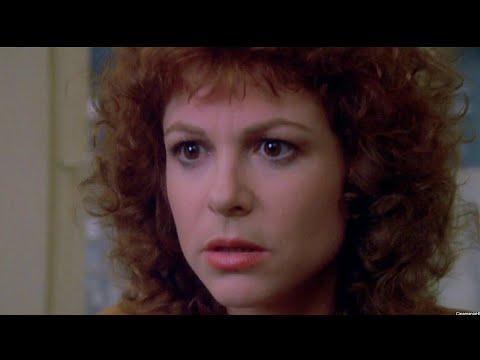 Download Chucky: El Muñeco Diabólico (1988) - Muerte de Maggie [Español Latino]