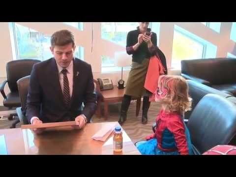 SpiderMable receives proclamation from Edmonton mayor to track down villain