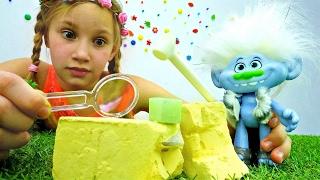 Мультик с игрушками Тролли: алмаз в подарок Розочке