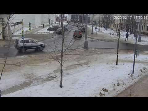 Ростов великий, Соборная,  Авария