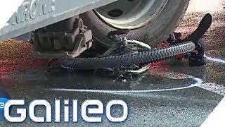 Gefahr im toten Winkel: Wie LKW-Fahrer Fahrräder besser erkennen sollen | Galileo | ProSieben