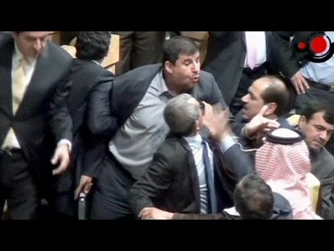 Un député jordanien sort une Kalachnikov et ouvre le feu à l'intérieur du Parlement