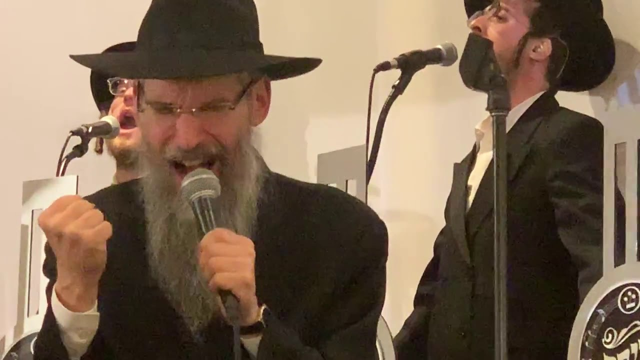 Avraham Fried - Shira Choir - Hachnosas Sefer Torah - Tanya