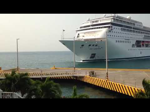 MSC Armonia cruise ship hits in to dock in Honduras